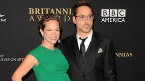 Robert Downey i jego ciężarna żona na czerwonym dywanie