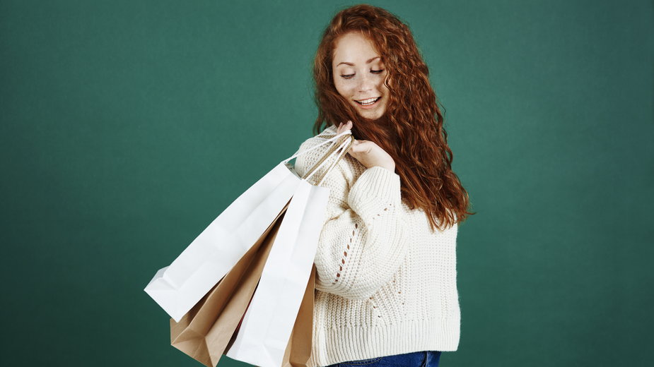 Modne ubrania za ułamek ceny - moje odkrycia w świecie outletów i second handów online.