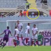 Vlahović odbio da izvede penal, pa NAPRAVIO ČUDO! Jedan od najboljih golova u karijeri, lopta je letela - pa odjednom propala /VIDEO/