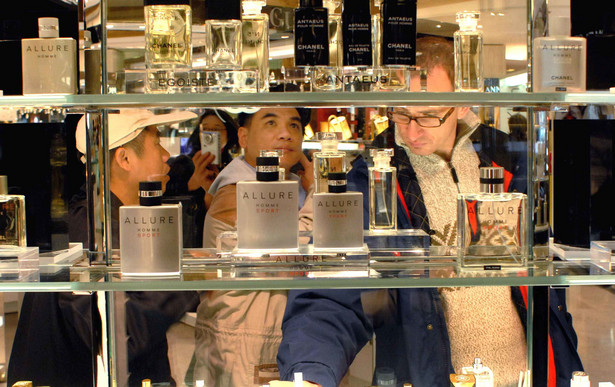 Luksusowe perfumy i kosmetyki zawsze sa mile widzianym prezentem