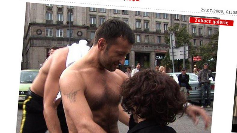 Facet Żmudy rozebrał się w środku miasta