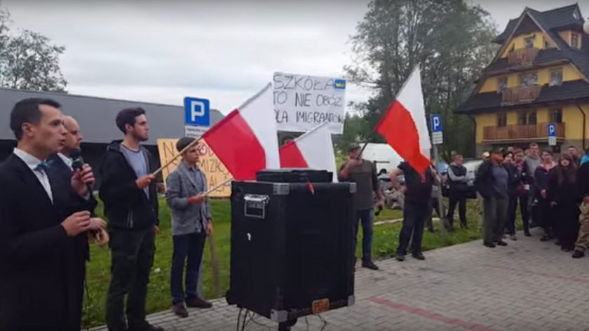 Kościelisko demonstruje przeciwko przyjęciu uchodźców