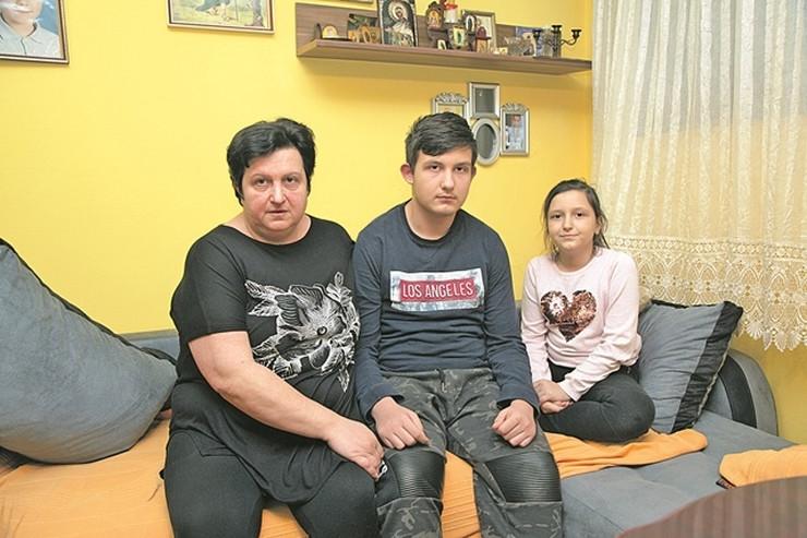 Porodica Mitrovic 090120 RAS foto Aleksandar Slavkovic01