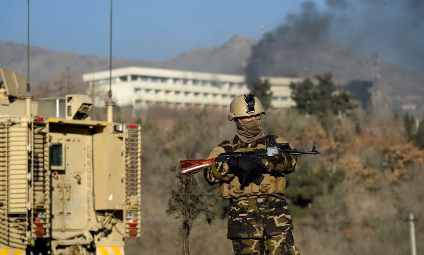 Uzbrojeni napastnicy wdarli się do hotelu w Kabulu! Trwa akcja sił specjalnych