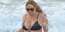 Diwa na plaży z nowym kochankiem. Jest dużo młodszy