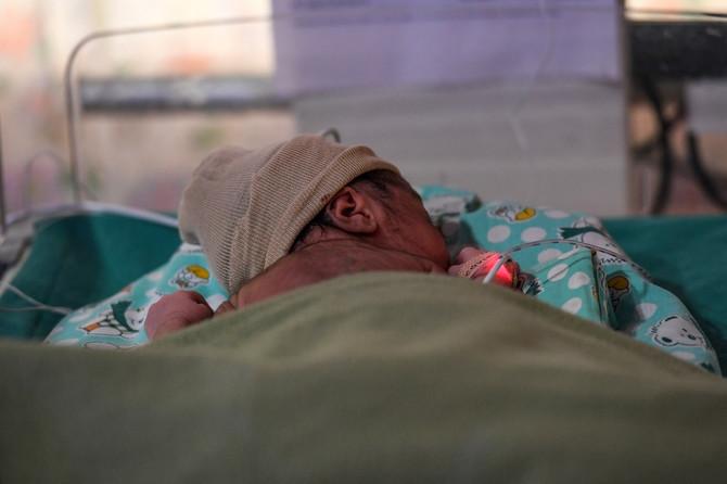 Beba se rodila sa koronom i pobedila ju je (ILUSTRACIJA)