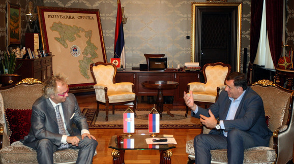 Ivan Tasovac sa pretsednikom Republike Srpske Miloradom Dodikom u Banjaluci