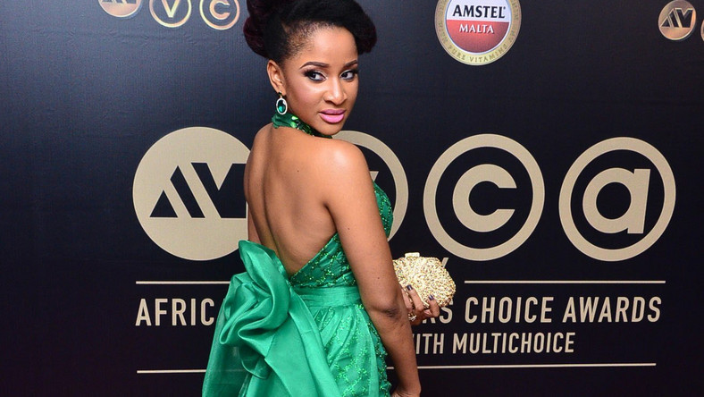 Adesua Etomi wins Best Actress at 2016 AMVCAs