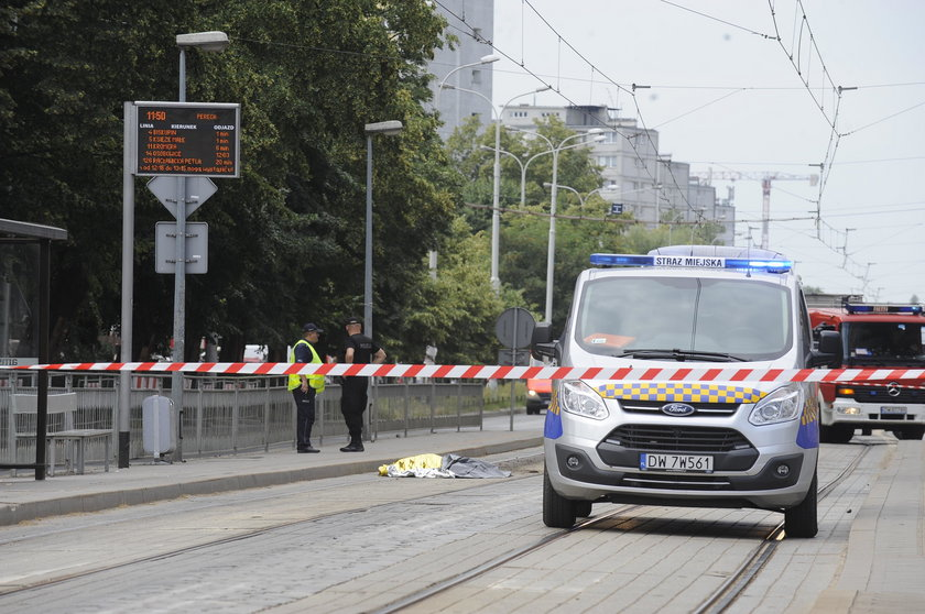 Makabra na torach przy Grabiszyńskiej!