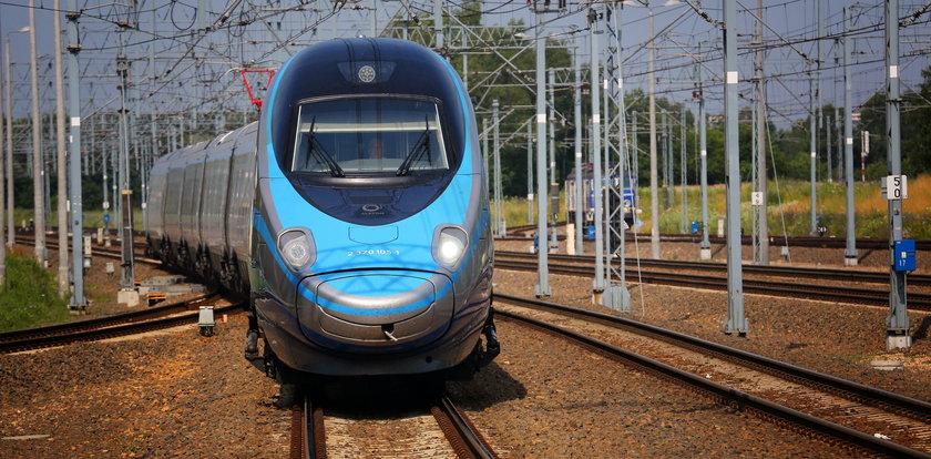 Nowy rozkład jazdy PKP. Mamy pandemię, więc... będzie więcej pociągów!