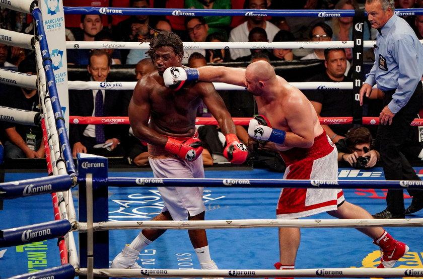 We wrześniu 2018 r. w hali Barclays Center na Brooklynie Adam Kownacki pokonał jednogłośnie na punkty byłego mistrza świata Charlesa Martina (33 l.).