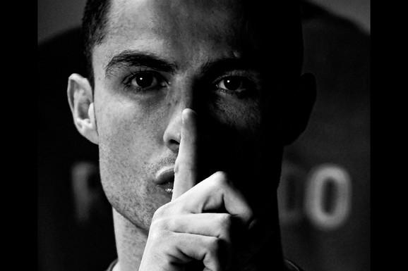 """Ronaldo VIŠE ZARADI NA INSTAGRAMU NEGO OD FUDBALA! Kristijano ima četiri tajne za društvene mreže koje može da proba i """"običan čovek"""", a donele su mu milione /VIDEO/"""
