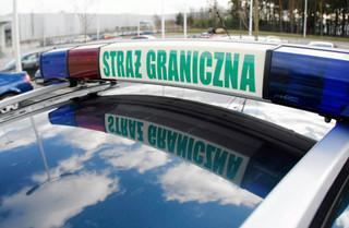 Z parkingu Straży Granicznej skradziono samochód; padły strzały