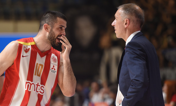 Branko Lazić i trener Milan Tomić tokom četvrtog meča finala Partizan - Crvena zvezda