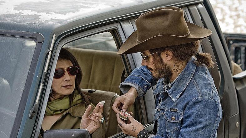"Hiam Abbass i Gael Garcia Bernal w filmie ""Limits of Control"" Jima Jarmuscha"