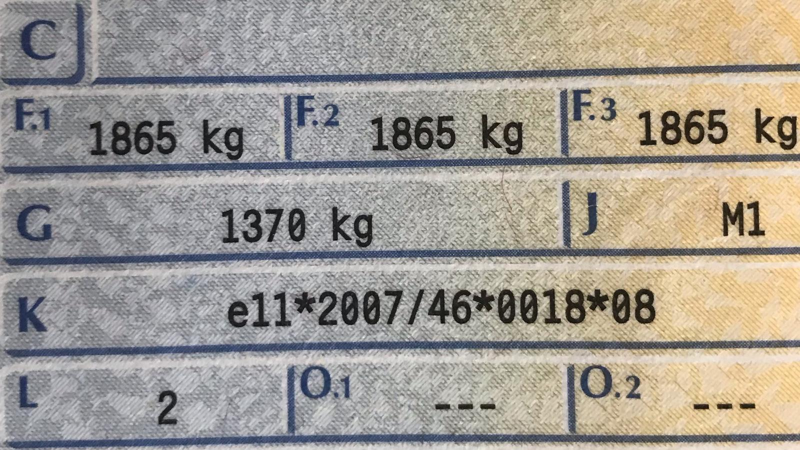 """Pole """"F.2"""" w dowodzie rejestracyjnym. Warto sprawdzić tę informację"""