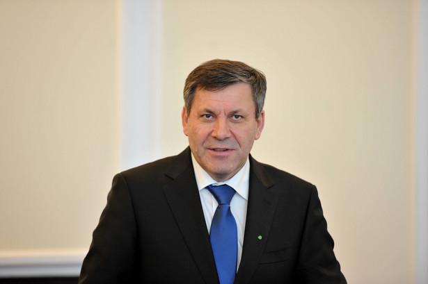 Do czasu sfinalizowania rozmów wicepremier Piechociński nie zdradza nazwy partnera.