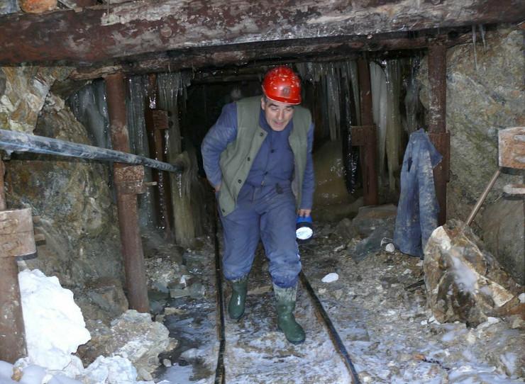 136688_zlatiborjedna-od-jama-rudnika-magnezit