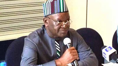 Ortom tackles Bauchi Governor on why he thinks herdsmen should carry AK47