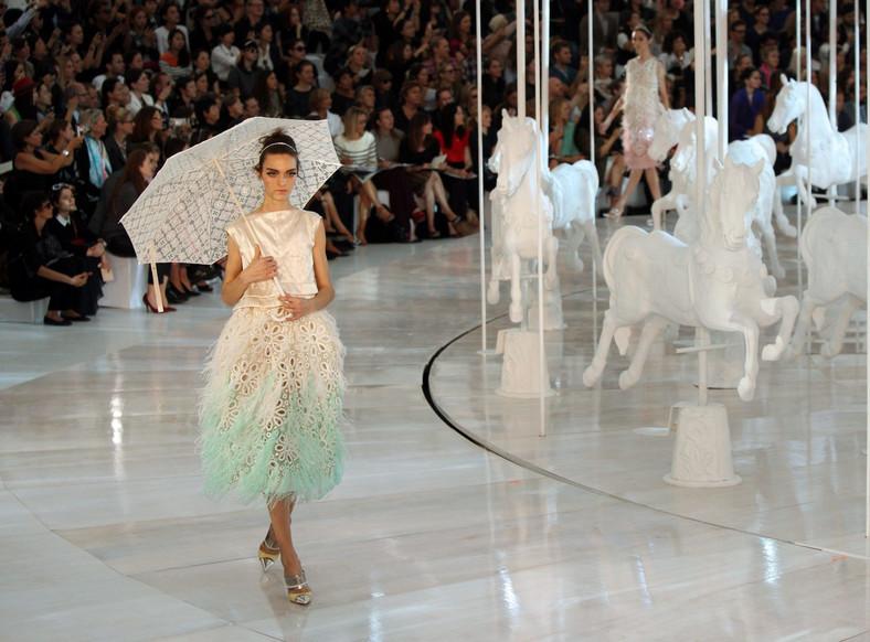 Pokaz kolekcji Louis Vuitton na sezon wiosna/lato 2012