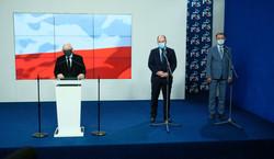 """Czwarty koalicjant puka do drzwi.""""Pora, by PiS spłacił dług"""""""