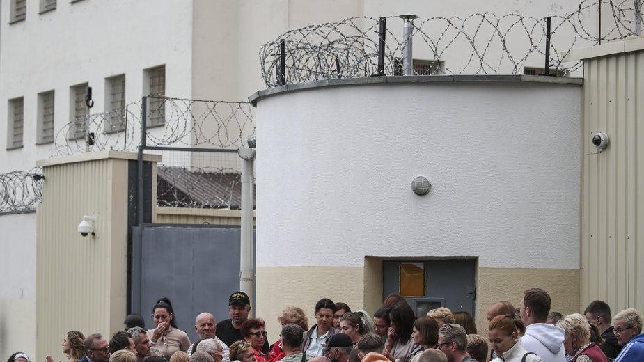 Białorusini wychodzą z aresztów i opowiadają o torturach