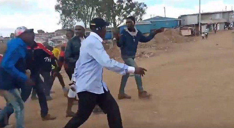 Boni Khalwale chased out of Kibra Laini Saba ward where he was representing Mariga [Video]