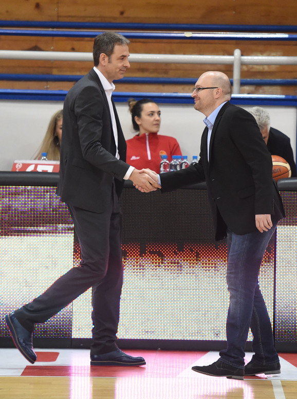 Pozdrav trenera Zvezde Milenka Topića i Tamiša Bojana Jovičića