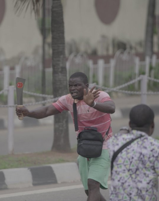 A Thug unleashes violence during #EndSARS protest in Lagos
