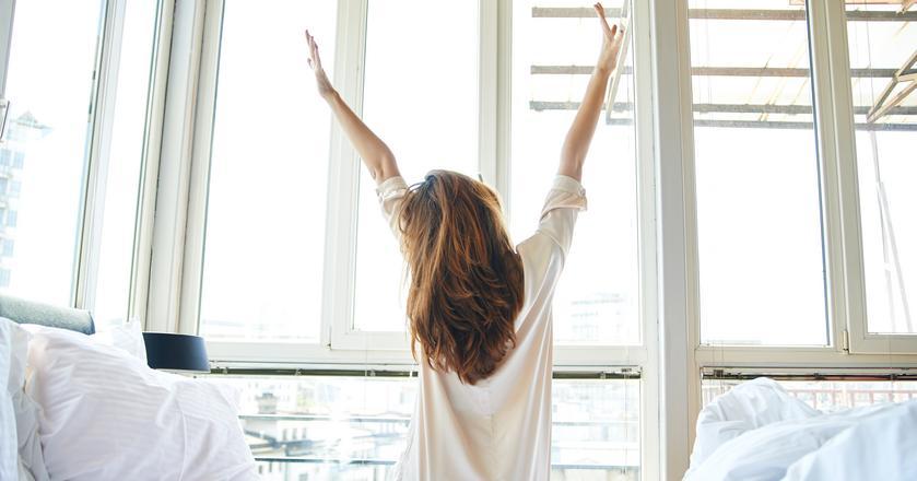 Ścielenie łóżka pomoże ci zacząć lepiej dzień