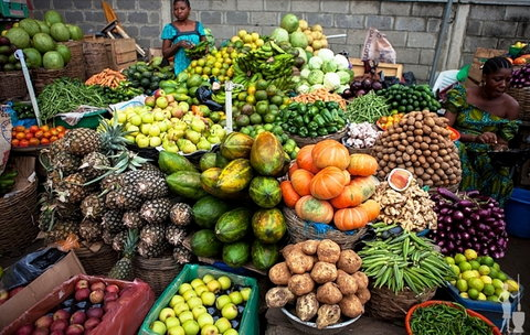 Illustrative photo of a fruit stall in a Nigerian market [fmic]