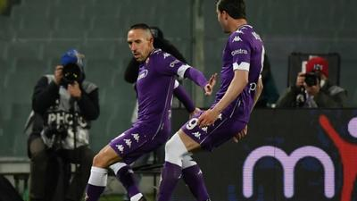 Sassuolo's Berardi hits penalty brace to pile pressure on Fiorentina