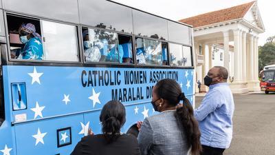 Uhuru donates 10 buses to schools and community organisations [Photos]