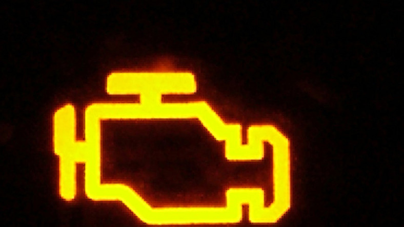 """Nietypowy Okaz Co znaczy """"check engine""""? TU85"""