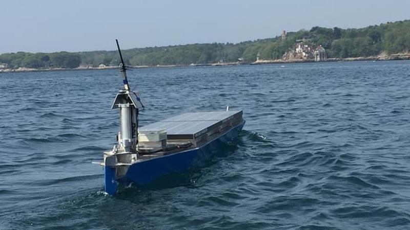 Autonomiczna łódź płynie przez Atlantyk
