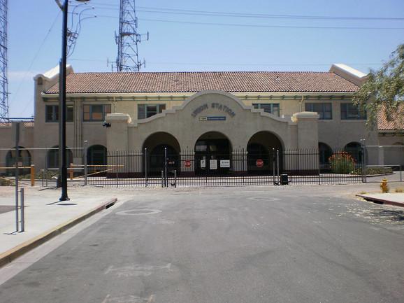 Železnička stanica u Arizoni, odakle je vini sa koferima bežala ka Los Anđelesu