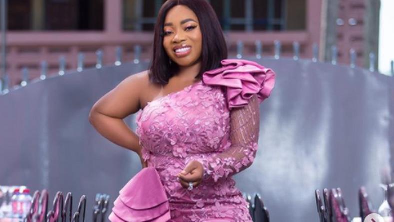 I'm Ghana's Kim Kardashian; I've helped many celebrities to perform butt lift – Moesha Buduong (VIDEO)