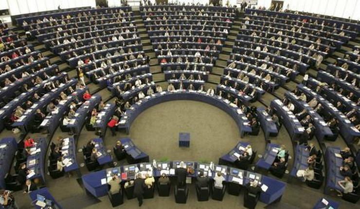 55818_evropski-parlament-reuters
