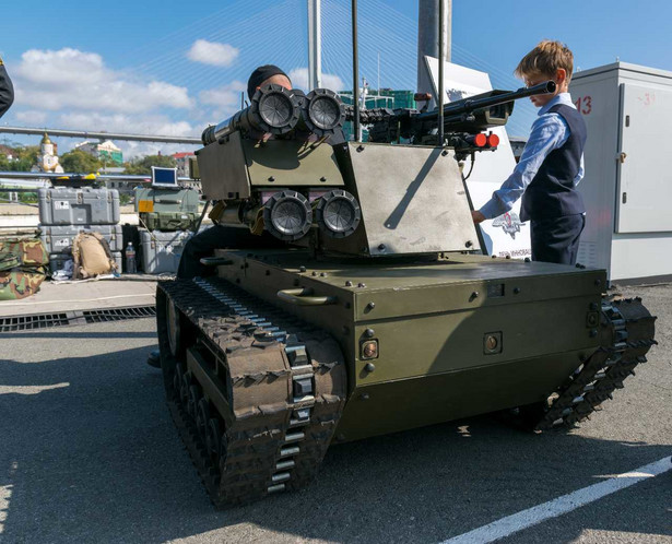 Robot wojskowy Platforma-M