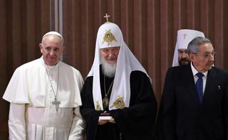 Reakcje na spotkanie Franciszka z Cyrylem: Uścisk, który zakończył schizmę