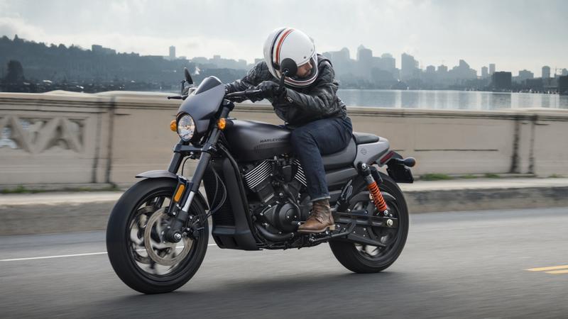 Harley-Davidson Street Rod 2017 w akcji