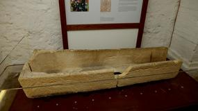 Rodzice chcieli zrobić dziecku zdjęcie. Zniszczyli 800-letni sarkofag