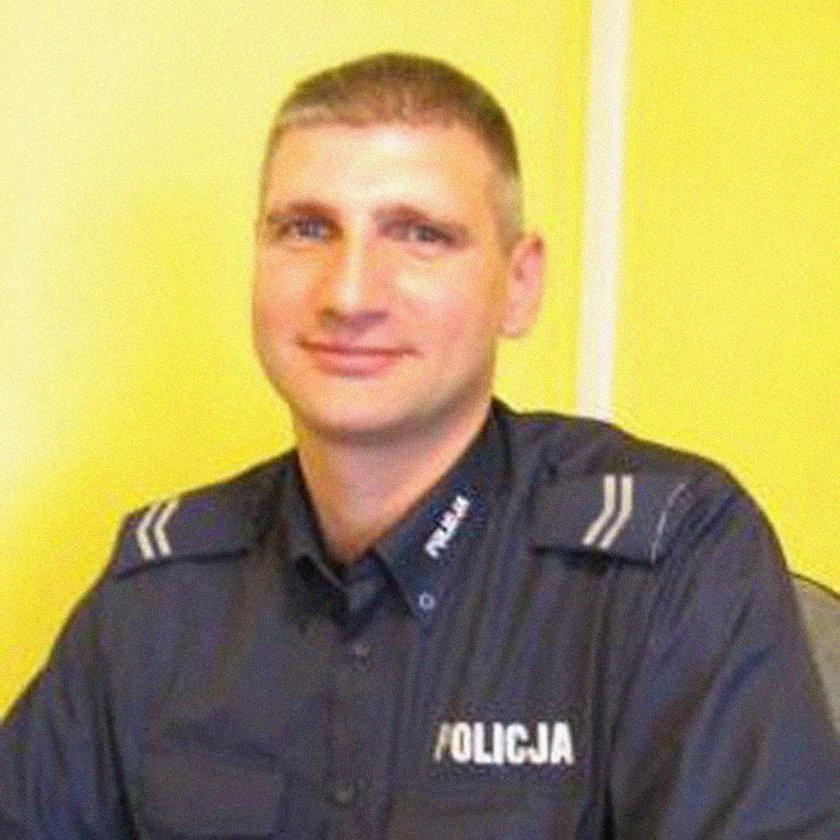 St. sierż. Adam Florczak policjant, który uratował 7-osobową rodzinę przed zaczadzeniem