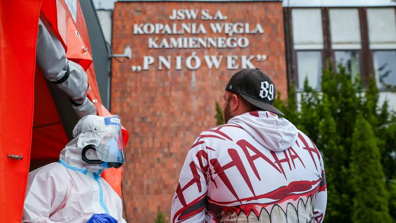 Badania górników przed KWK Pniówek