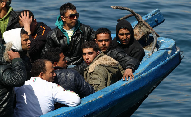 Imigranci na łodzi