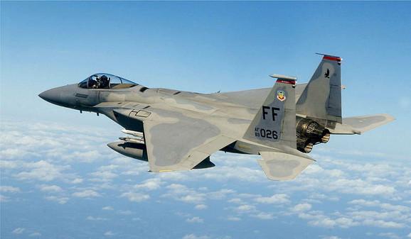 Američki lovački presretač F 15 Eagle
