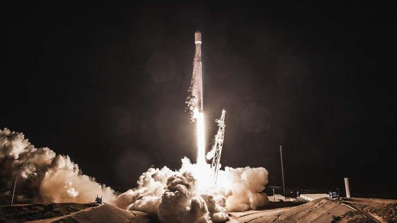 SpaceX umieścił na oribcie dwa pierwsze satelity Starlink