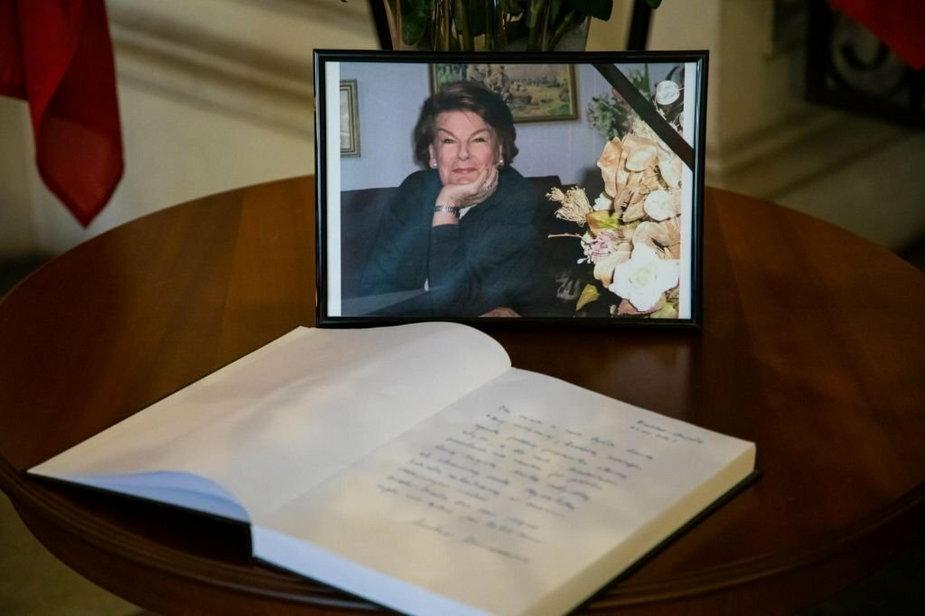 W Ratuszu wyłożono księgę kondolencyjną