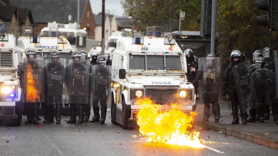 Zamieszki w Irlandii Północnej z powodu kontrowersji wokół brexitu