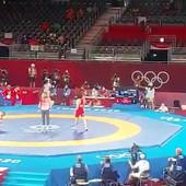 VISOKO PODIGNUTE PESNICE I - NEVERICA! Ovako je Zurabi proslavio osvajanje bronze i šestu medalju Srbije na Olimpijskim igrama! /VIDEO/